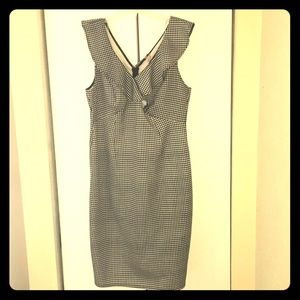 Dress with front Ruffles Houndstooth pattern.